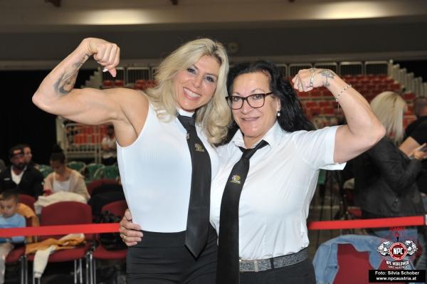 Top Clicked Foto: HeuteLiona Bergmann (NL) andRegiane da Silva(D), Judges