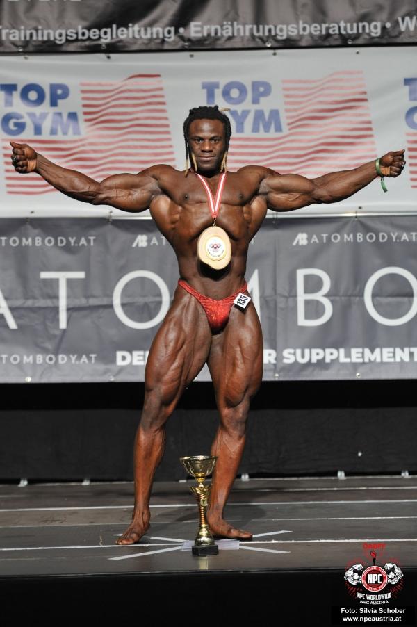 Top Clicked Foto: HeuteNathan Mozango (NL), Sieger Men´s Bodybuilding - over 90 kg up to & incl. 102 kg